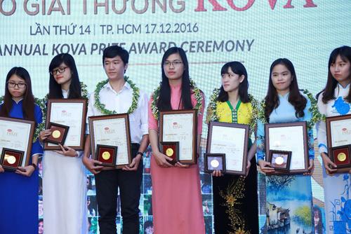 Sinh viên Trường ĐHKT được nhận giải thưởng Kova