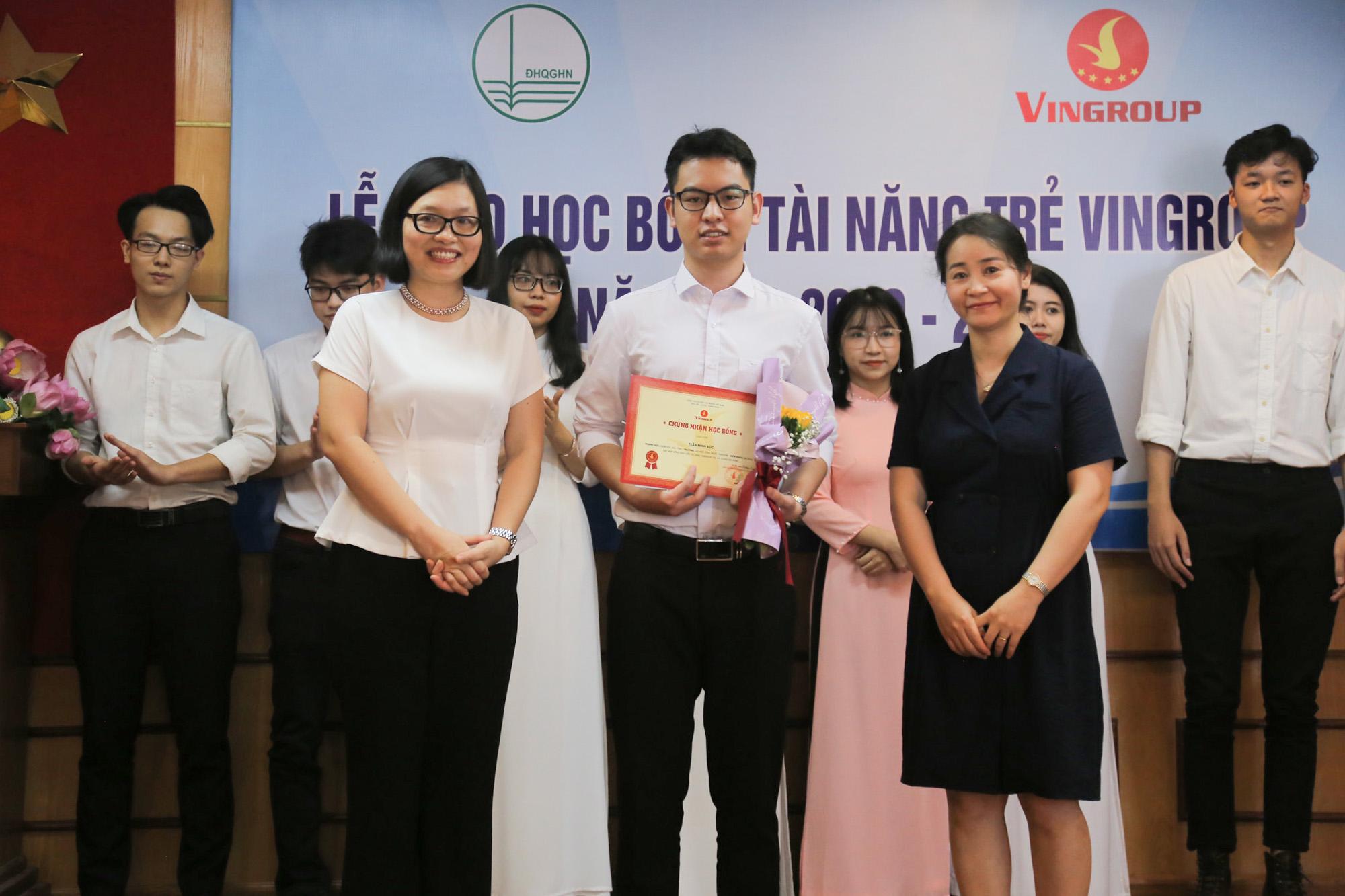 6 sinh viên ĐHKT nhận học bổng Vingroup năm học 2019 - 2020
