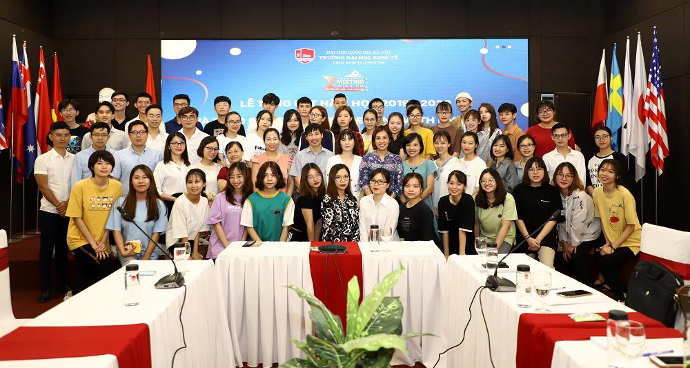 Khoa Kinh tế Chính trị: Trao giải cuộc thi Meeting with PM 2020 và ra mắt nhóm truyền thông
