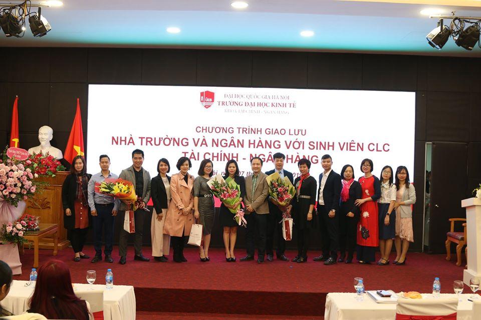 Chương trình giao lưu Ngân hàng, Nhà trường với các sinh viên Khoa Tài chính Ngân hàng