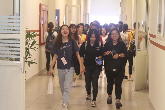 Giảng đường Việt Úc mặc áo mới chào đón năm học 2018 - 2019