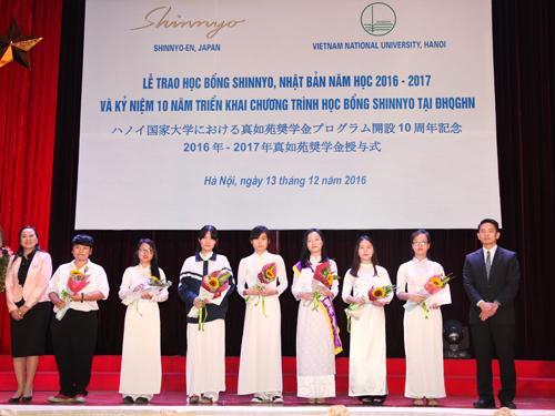 9 sinh viên ĐHKT được nhận Học bổng Shinnyo