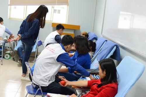 Ngày hội hiến máu 2016: Giọt hồng tình nghĩa